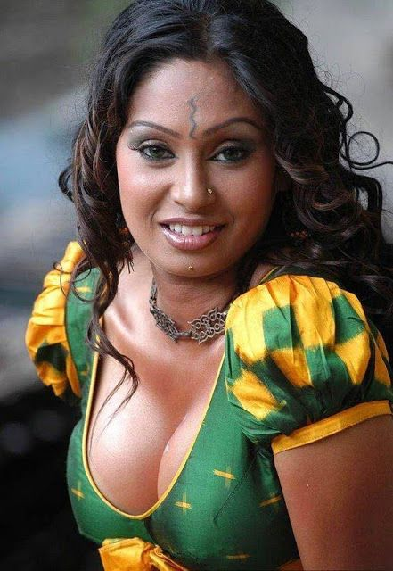 Aunties without blouse photos