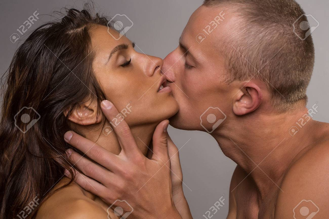 All pictures of naked women kissing